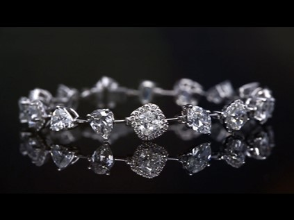 Mesmerizing diamond bracelet